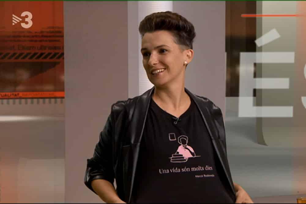 Bel Olid amb una samarreta catalana