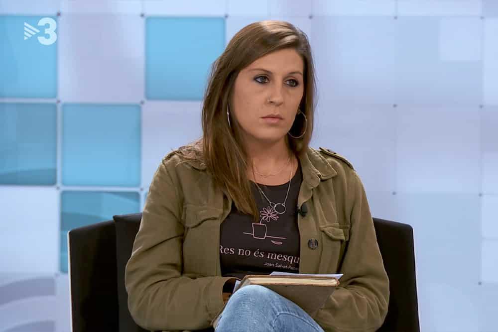 Laura Aznar amb una samarreta d'Insensats